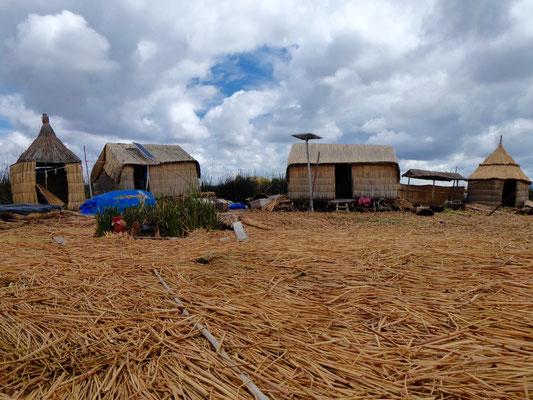Wohnhäuser auf einer der Inseln