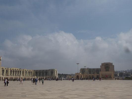 Platz vor der Moschee