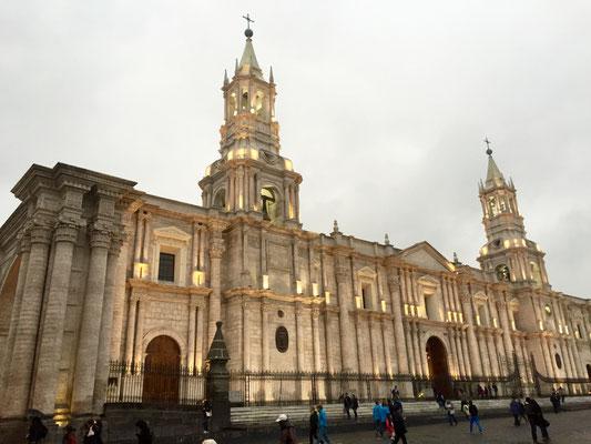und weil es so schön war: Hier noch einmal die Kathedrale