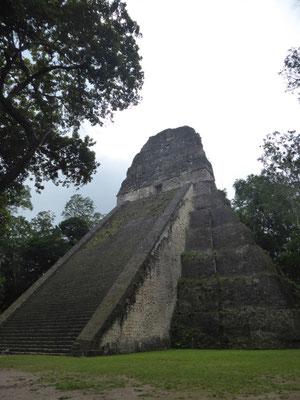 und noch eine Pyramide
