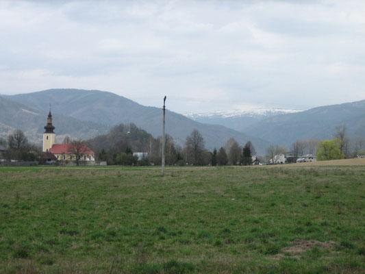 Blick auf die verschneiten Berge der Tatra