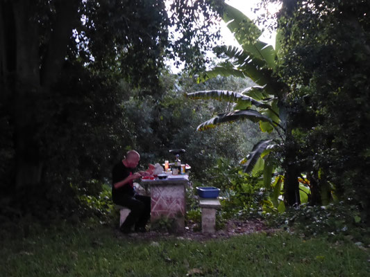 Abendessenzubereitung vor dem Tod des Brenners