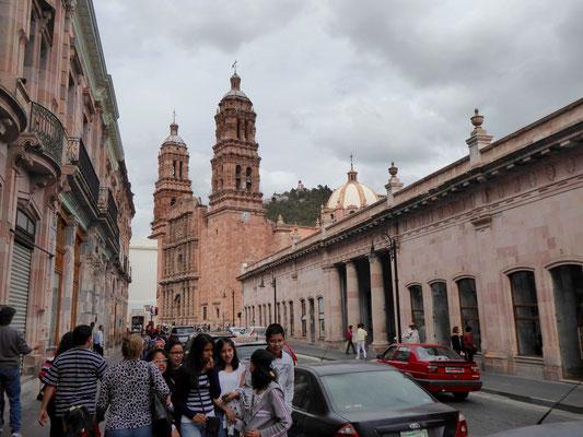 auf dem Weg zur Kathedrale