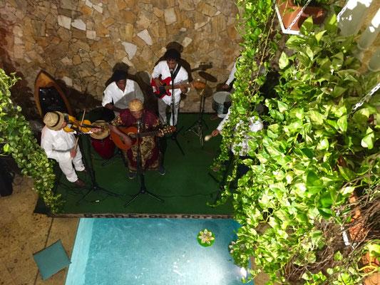 Kubanische Musik zum Abendessen