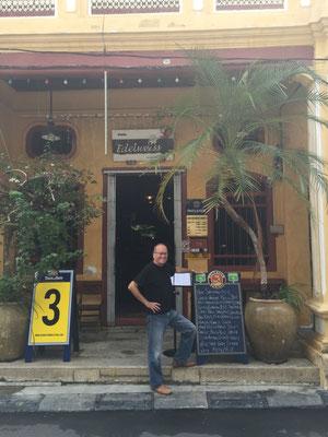 Im Café Edelweiss gibt es Käse-Fondue (genau das Richtige bei 31°) - haben wir nicht gegessen!
