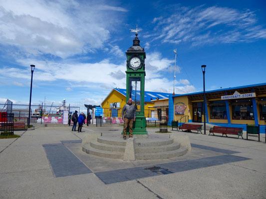 Alter Uhrturm am Hafen