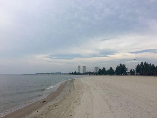 5 Minuten entfernt: Melaka Beach....