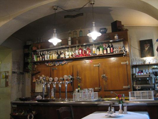 Getränkeschrank des Wirtshauses Herlitschka
