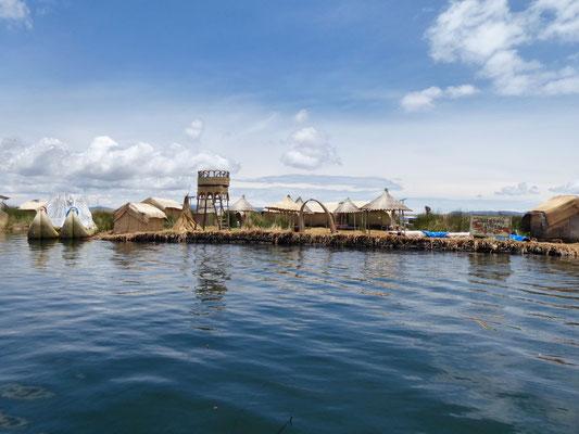 Eine der schwimmenden Inseln