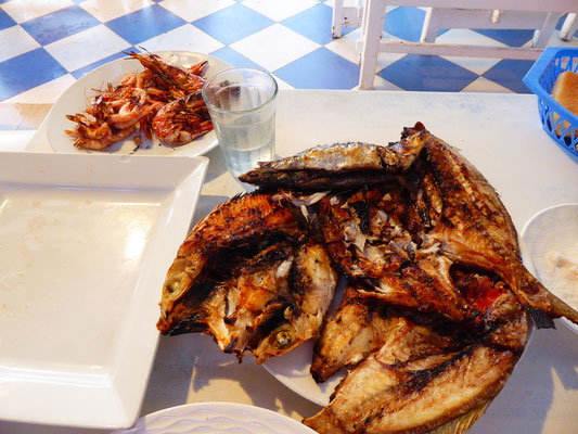 Seafood-Platter - auch hier geht es wohl kaum frischer. Vom Netz praktisch direkt auf den Grill