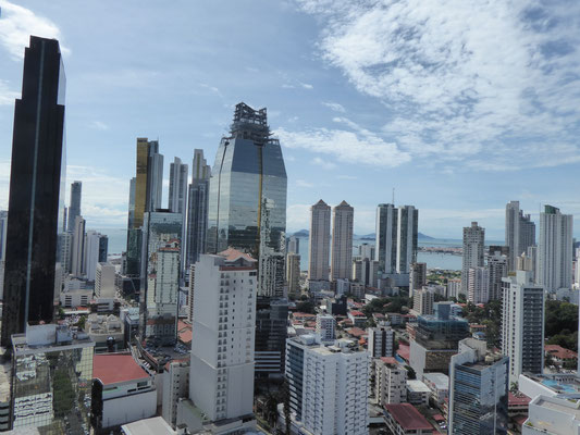 Blick vom Hoteldach bei Tag...