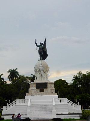 """Vasco Nunez de Balboa (benannt nach dem gleichnamigen Bier ;-)) entdeckte als erster Europäer das """"Südmeer"""", heute als Pazifischer Ozean bekannt, vom amerikanischen Kontinent aus"""