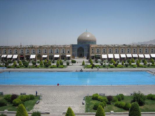 Blick vom Ali Qapu-Palast auf die Sheikh Lotfollah-Moschee