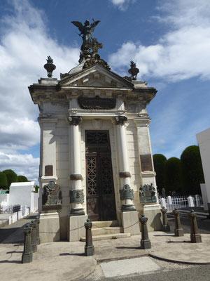 Prächtiges Mausoleum der Familie Menéndez (Reeder und Viehzüchter)