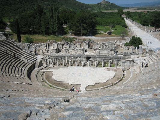 Großes Amphitheater (fasste 30.000 Menschen)