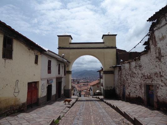Anfang und Ende allen Übels: von hier geht es 220 Stufen hinab in die Altstadt von Cusco