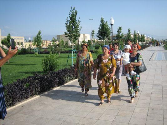 Die Usbekin liebt es bunt