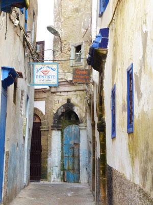 In der Medina IV (zum Zahnarzt möchte man hier eher nicht müssen)