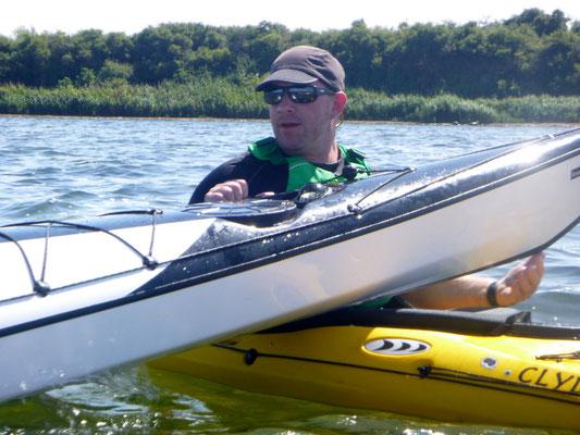 ... und wieder ins Wasser mit dem Boot.