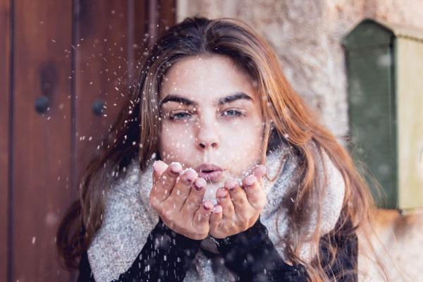 Snowing. Fotografía de inspiración para Ulanka y Coolway.