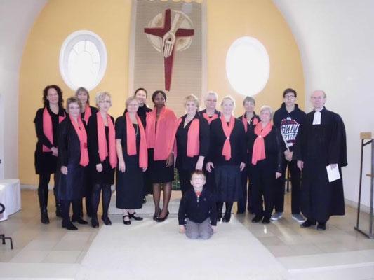 Foto vom Chor mit Pfarrer Heinrich Afflerbach: Petra Schaffner