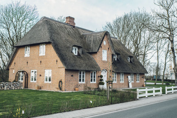 neubau // reetdachhaus // niebüll // lph 1-5