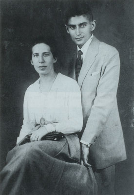 """""""den Beziehungsvogel schoss wohl Kafka ab. Vier Jahre hielt er Felice Bauer hin."""" (S.327) - Foto: Franz Kafka und Felice Bauer (Archiv Klaus Wagenbach, Berlin)"""