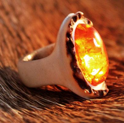 Ring Material: Hirschhorn/ Bernstein Preis: 275€