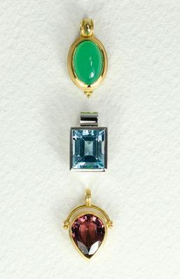 14 kt Gold / Chrysopras 3,4 ct - - - - - - - - - - - - € 870,- 14 kt Weißgold /Blauer Topas 6.0 ct - - - - - - - -  € 750,- 14 kt Gold / Rubellit 3,7 ct - - - - - - - - - - - - - - - € 865,-