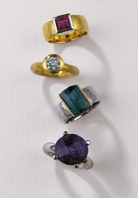 Ring - 750/- Gelbgold / Weißgold / Rubellit - -€  1.365,- Ring - 750/- Gelbgold / Brillant 1,04 ct - - - - - €  7.283,- Ring - 750/- Weißgold/Gelbgold / Turmalin - -€  1.313,- Ring - 585/- Weißgold / Amethyst - - - - - - - - €  1.210,-