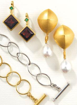 Kette - 585/- Weißgold / Perlen - - - - - - - - - - € 913,- Kette - 585/- Gelbgold / Perlen - - - - - - - - - - - € 882,-