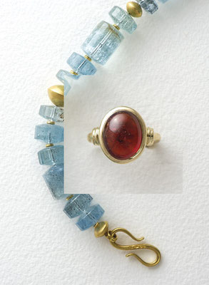 Ring – 18 kt Gold / Mandarin Granat 17,30 ct      € 1.750,-