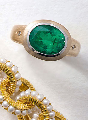 Ring - Gelbgold / Smaragddublette / Brillant - - - €     980,-