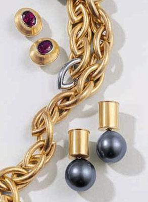 Ohrringe - 750/- Gelbgold / Rubellit - - - - - - - € 1.200,- Ohrringe - 750/- Gelbgold / Tahitiperlen - - - - € 1.205,-