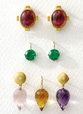 Ohrstecker - Gold 585/- / Rubellit-Cabochon - € 1.480,- Ohrhänger - Gold 750/- / Smaragddublette - - € - 720,- Ohrstecker - Gold 585/- / Citrin / Brillant - - - - € - 460,- Ohrstecker - Gold 585/- / Amethyst / Brillant - € - 580,-