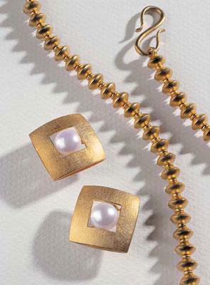Ohrringe - Gelbgold / Perlen - - - - - - - - - - - € 1.005,-