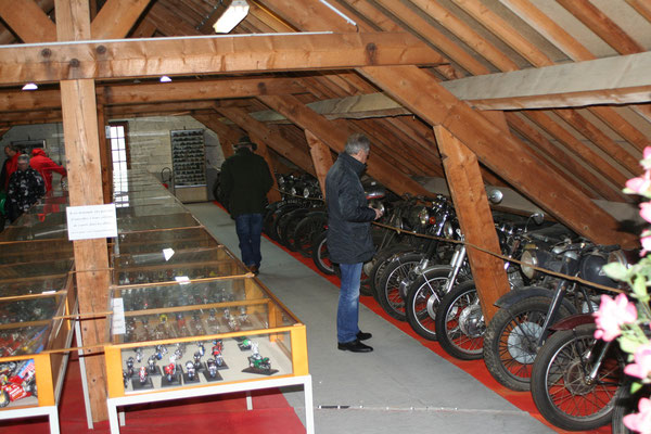 Une belle collection de motos