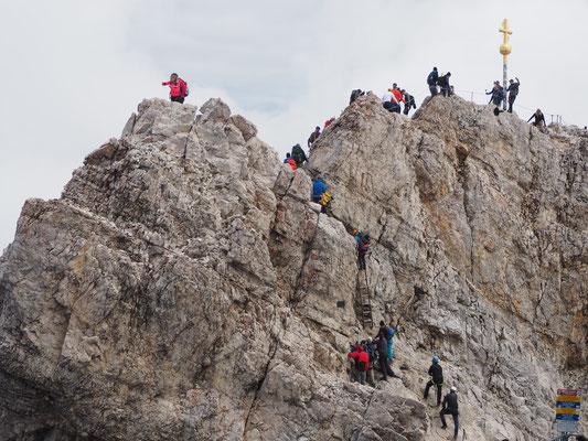 Gipfel der Zugspitze - Gipfel des Tourismus