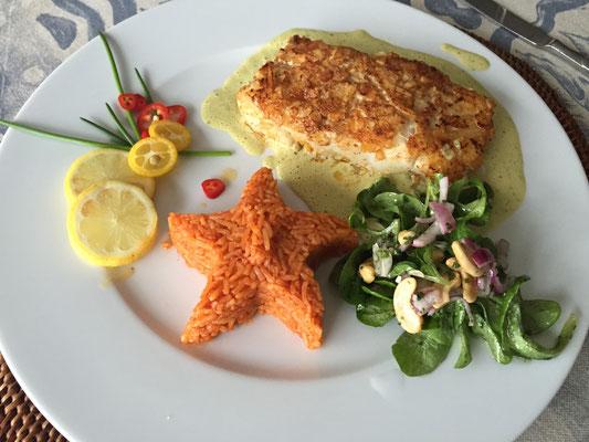 Kabeljau mit Paprikareis und Feldsalat