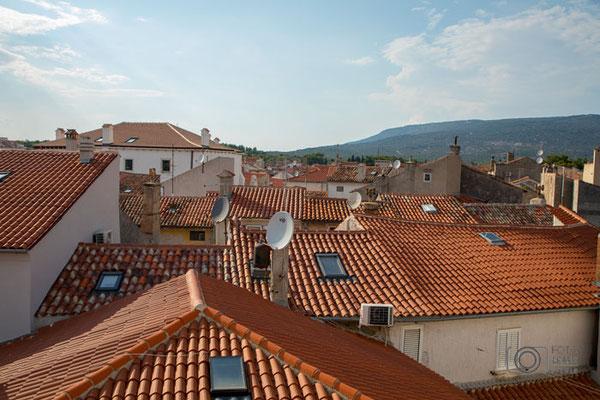 Cres Stadt - über den Dächern