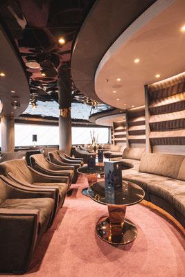 Die Top Sail Lounge