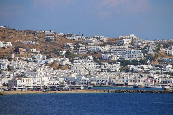 Mykonos Stadt von der Costa Luminosa gesehen
