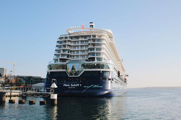 Die neue Mein Schiff 1 in Kiel / ©Martin Melzer