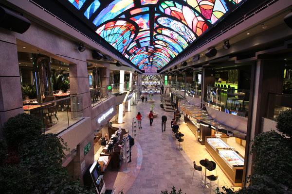 Die Galleria Bellissima mit dem LED Dome