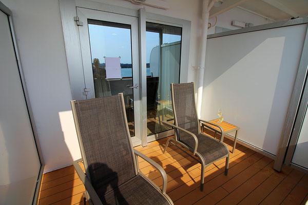 Unser Balkon mit Sekt