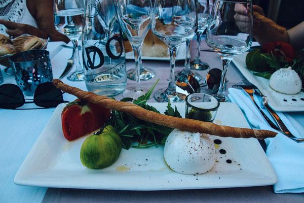 Genüssliches Abendessen an der Cote d'Azur