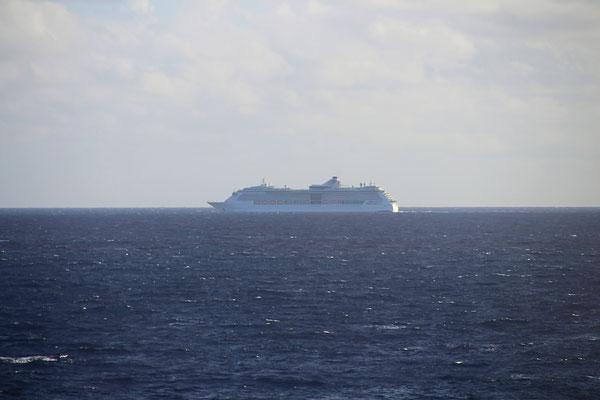 Jewel of the Seas auf See