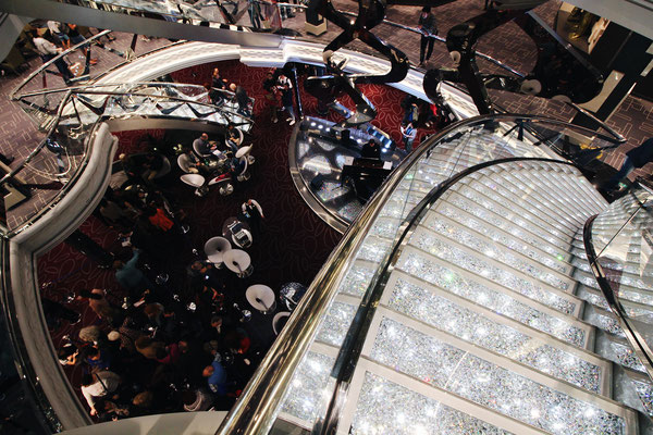 Das Atrium Meraviglia mit den Swarovski Treppen