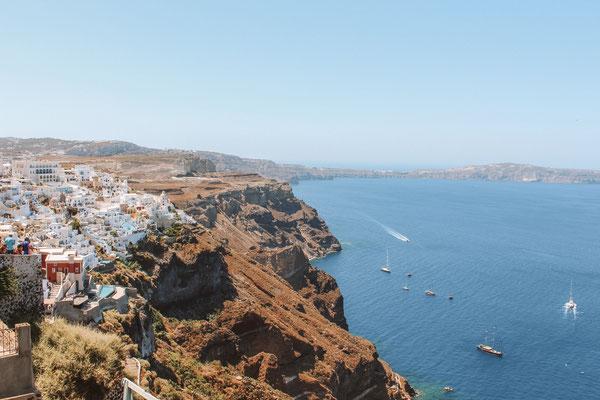 Die Klippen von Santorini