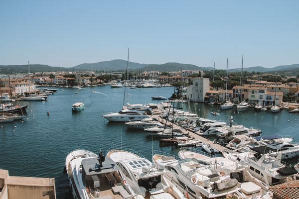 Port Grimaud mit vielen Yachten